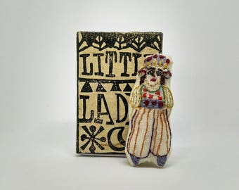 Little lady with a special headress