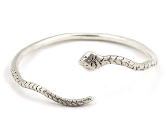 Old, vintage Solid Silver Arab Snake bracelet, from Egypt. Free shipping worldwide.