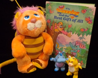 Wuzzles lot- bumblelion plush, hoppopotamus, butterbear pvc, book