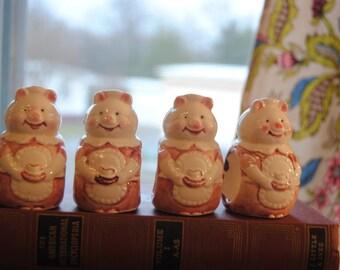 Little Pig Napkin Rings/80's/Vintage Kitchen/Pig Collectors/Sweet Little Pigs