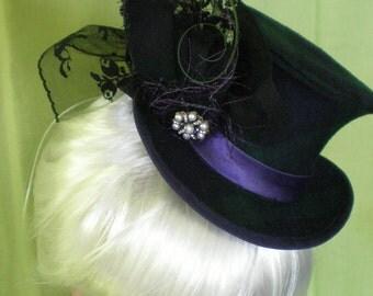 Hanna , mini top hat blackwatch tartan OOAK
