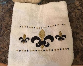 Fleur De Lis Bath Hand Towel