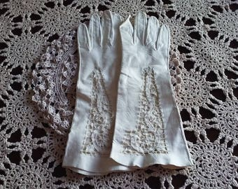 Vintage ladies kid leather gloves