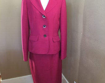Vintage EVEN-PICONE Pink Lined Skirt Suit Size 6