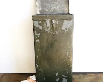 Vintage Industrial Metal Box / Industrial Storage / Industrial Decor / Green Metal Box / Vintage Storage / Military Metal Box / Tin Box