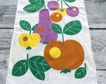 Vintage Tea Towel . Fruit Print . Retro Kitchen Towel . Mod Towel . Seventies Towel . Apple, Pear and Cherries .