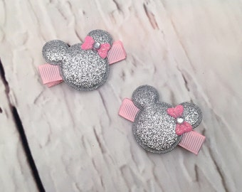 Minnie Mouse Hair Clips, Set of 2 Silver Sequin Hair Clips, Disney Hair clips, Mickey Mouse Hair clips, Disney Hairbow, Girl Hairbow