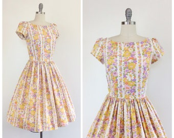 50s Floral Stripe Cotton Day Dress / 1950s Vintage Fit and Flare Sun Dress / Medium / Size 6