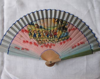 Vintage 1940's Children's Printed Wood Fan - Snow White & The Seven Dwarfs