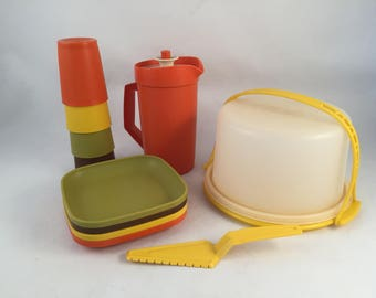Mini Kids Tupperware Party Set, Includes 4 Plates, 4 Cups, Pitcher, Cake Carrier and Cake Server, Toy Tupperware Set, Retro Kids Tupperware