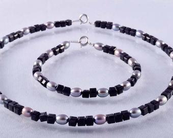 Black and Gray Pearl Set