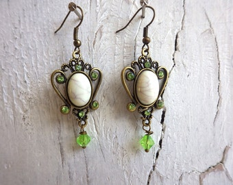 Ornament Frühling Ohrringe Ohrhänger barock Vintage grün hellgrün creme