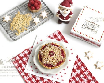 Christmas Cranberry Pie with Winter Flake Crust Topped -XMAS- in 1/12th miniature Dollhouse Christmas Pie