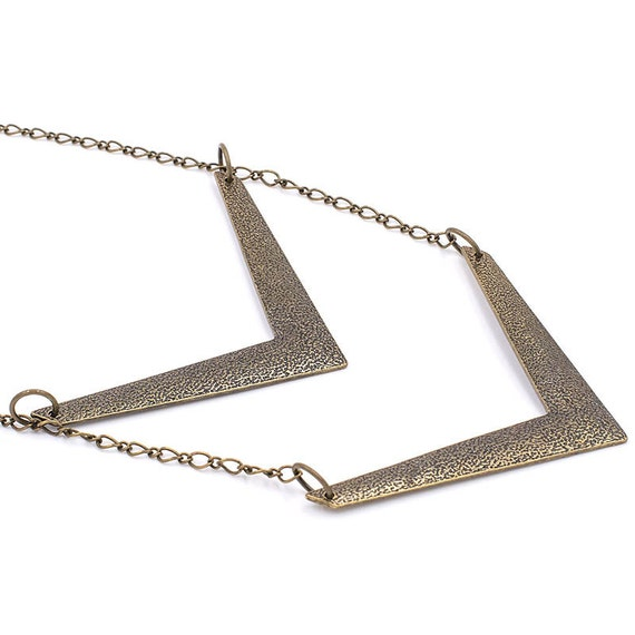 Vintage brass chevron pendant necklace with real magnifier