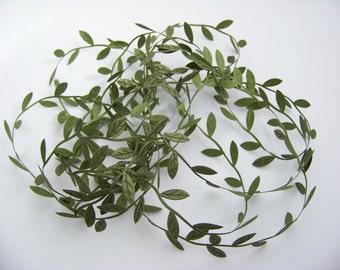 Dark Green Leaf Trim  4842