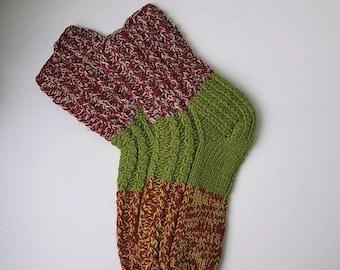Size 36-37 EU/EU/5-6 1/2 women 4-5 1/2 men US Hand knitted lambswool socks Ready to ship Colorful classic length wool sleeping/home socks
