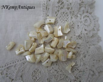 Mother of pearl bead x 35