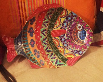 """Hand Painted Bohemian Wood Quilt Design Metal Fish For Wall or Table Top 14""""Wx10""""Hx.5""""D  W0116"""