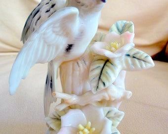Vintage PARAKEET Figurine Japan Bone China Lenville Ardalt Bird Garden Friend Gift