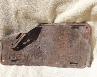 Vintage Rusty Nevada License Plate - 1947 rusty yard art