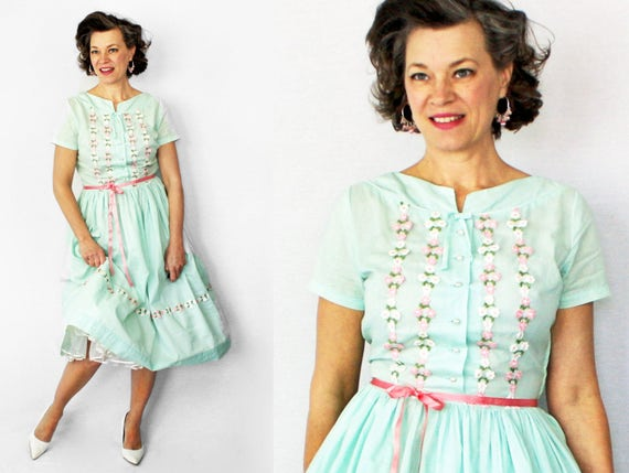 50s Dress / 1950s Dress / Day Dress / 40s Dress / 1940s Dress / Summer Dress / Appliqued Dress / Mint Green Dress / Size 6 / Waist 29""