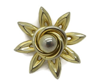 Vintage Coro Gold Tone Spiky Flower Brooch Pin
