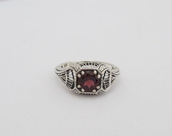 Vintage Sterling Silver Natural Garnet Filigree Ring Size 7