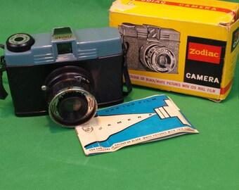 Zodiac 120 camera Diana clone Toy Camera lomography medium format blue plastic film lomo
