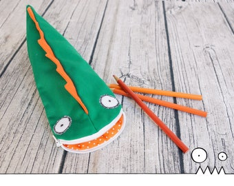 Fabric pencil case, Dragon, Green --- pencil pouch, drawing, school supplies, kids gift, student gift, teacher gift, Handmade by Les Funky