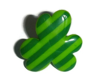Big SHAMROCK Ring Lucky Clover Vintage St Patricks Day Statement Jewerly Green Lucite 3 Leaf Clover St Paddys Day Novelty Kitsch Good Luck