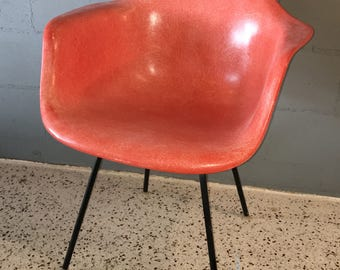 Early Herman Miller Eames Shell Chair with original H base