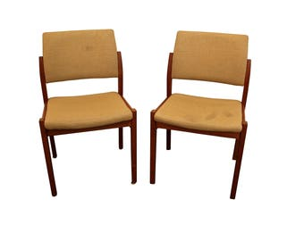 Pair of Mid-Century Danish Modern Svegards Markaryd Teak Side/Dining Chairs