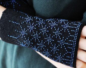 Snowflakes beaded wrist warmers - black fingerless gloves - knit blue beads fingerless - wool arm warmers - winter accessories
