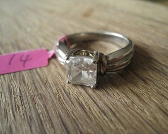 Sterling Silver Clear CZ Ring Size 7.75 (14)