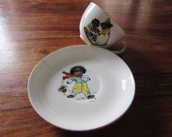Vintage Child's Cup & Saucer with Golly print 1940's