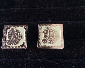 Swank Cufflinks silver  tone metal with horse heads with green background