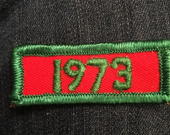Vintage 1973 dated rocker patch - red green year