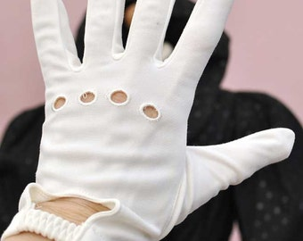 Vintage 60s White Wrist Length Driving or Church Gloves with Exposed Knuckles