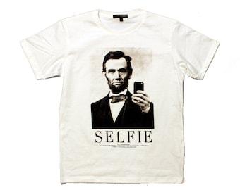 Selfie Lincoln t-shirt