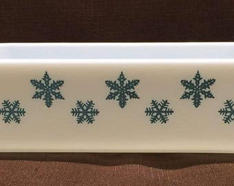 Pyrex Turquoise Snow Flake Space Saver - 575-B - 2 Quart Space Saver Rectangular Casserole Dish/PanRectangular Cass