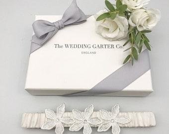 Bridal garter, Bridal lingerie, Wedding garter, Wedding garters, Bridal garters, Silk garters, Lace garter, Flower garter, Crystal garter
