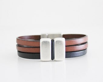 BROWN LEATHER BRACELET. Magnetic Men bracelet. men jewelry, pulsera cuero hombre, silver, uno de 50 style, brown leather, Gift idea.