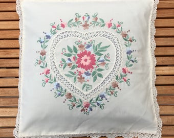 EMBROIDERED SWEDISH PILLOW / Handmade / Sewing / Embroidery / Stitches / Cushion / Floral / Romantic / Country style / Home decor / Heart