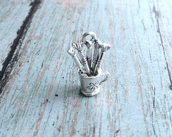 Artist paintbrushes charm 3D silver plated pewter (1 pc) - silver artist pendant, paint brush charm, art teacher charm, painter charms, EE12