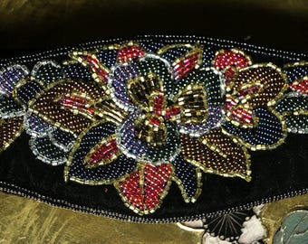 70s La Regale Hand Beaded Velvet Belt with Flowers Gold Blue Green Pink SIze M