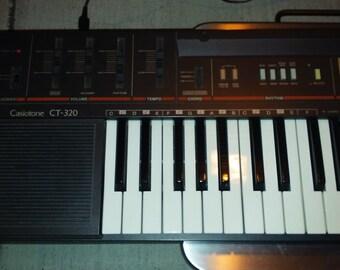 Casio CT 320 Keyboard