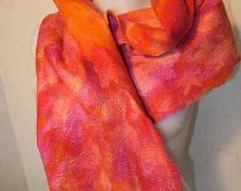 Handgefilz scarf from extrafine Merino Wool with silk