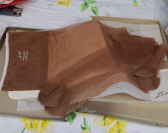 "Vintage 60s 70s Hanes Stockings ""Barely There"" 10 1/2M 4 Pairs 40s Style 50s Style"
