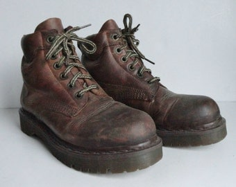 Brown Dr.Martens Lace Up Vintage Leather Boots // Size EU 39 // Air Wair // Bouncing Soles // Made In England
