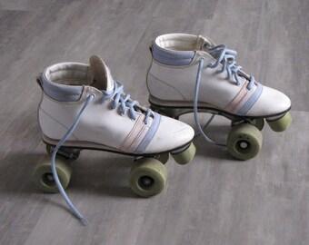 Vintage 80's Children's Roller Skates - size